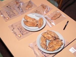 長期保存時の品質を確かめるための試食会を開催